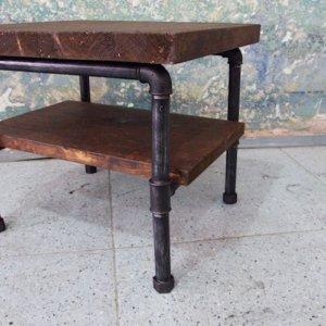 Malý industriální konferenční stolek - červotoč