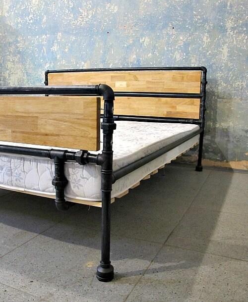 Ocelová postel Maria Theresia