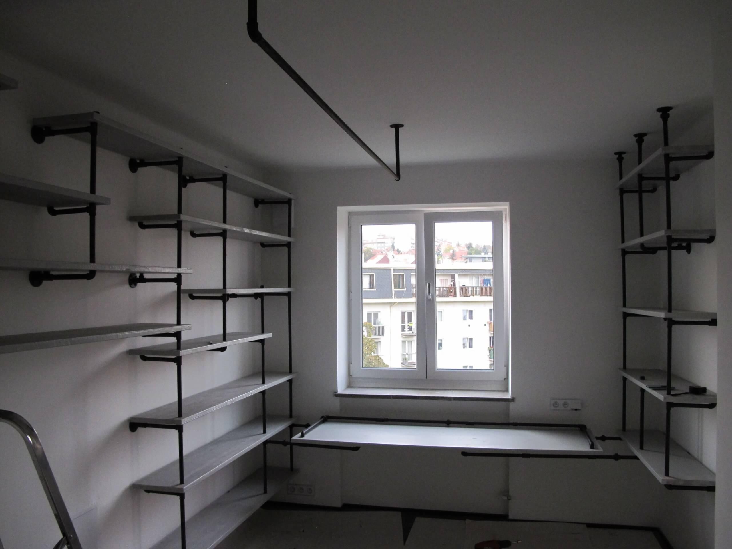 instalace-industrialni-nabytek