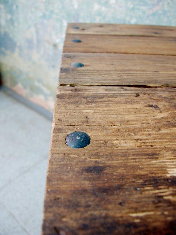 Barovka z recyklovaného dřeva